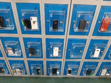 PHONEAWAYBOXES, the healthiest solution to the misuse of phones by students.